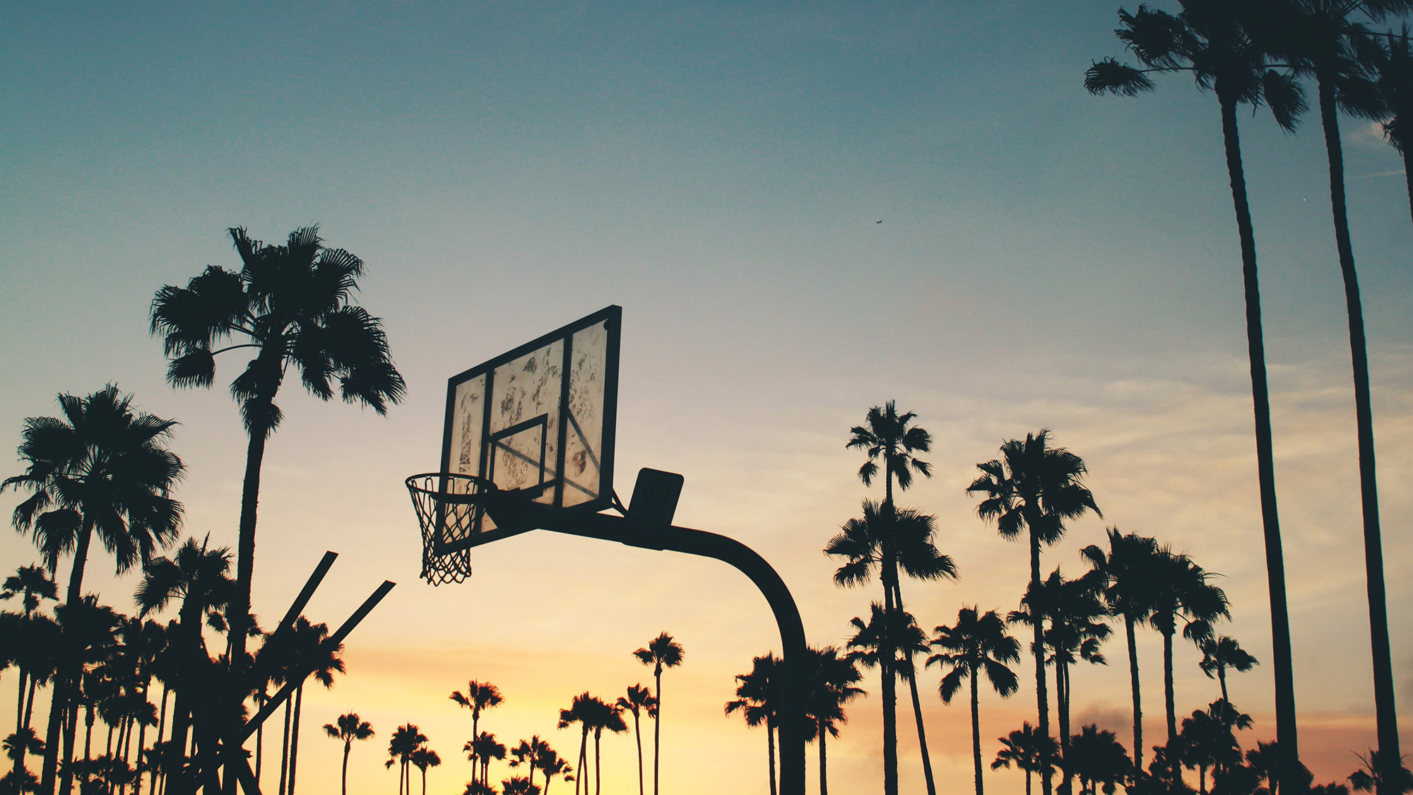 image of outdoor basketball hoop